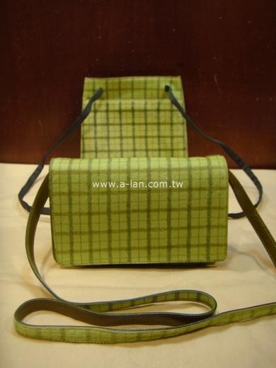 MIU MIU 綠格毛包組 / 兩件式-82400298