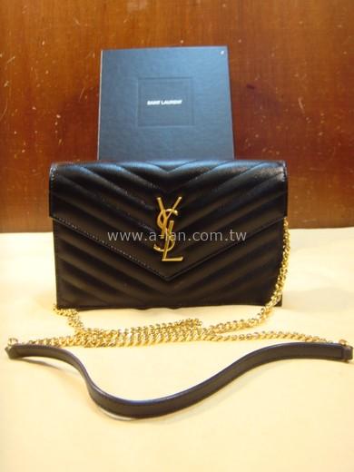 YSL V字縫線魚子醬肩背信封包-82843438