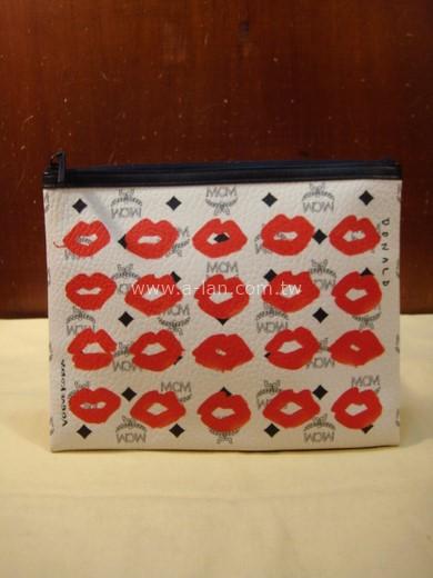 MCM VOGUE KOREA 韓國唇印限量款手拿包-84072398