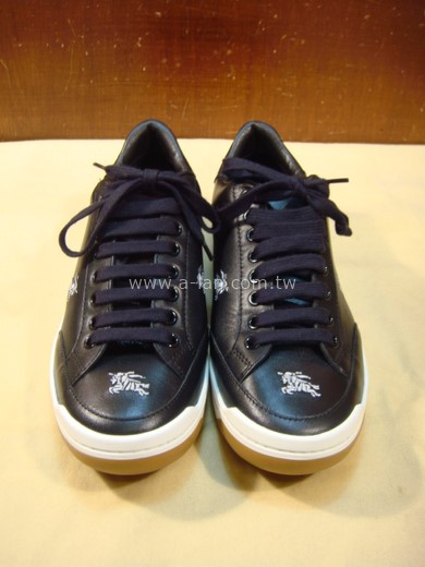BURBERRY 黑皮膠底休閒鞋-84126428