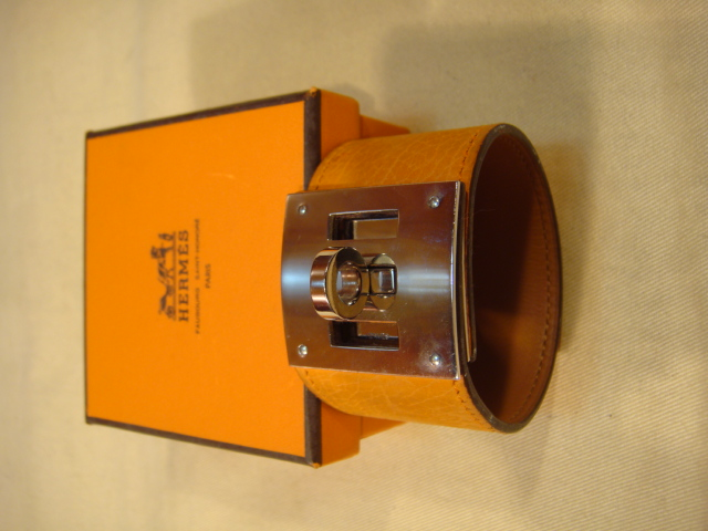 HERMES Kelly Dog Extreme 牛皮寬版手環-84280118