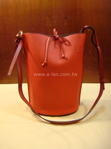 LOEWE Gate Bucket Bag Scarlet Red/Burnt Red紅皮直筒包-842997538