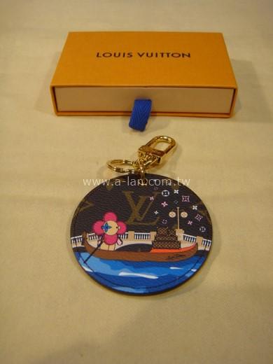 LV-圓型手袋吊飾兼鑰匙扣-842999758