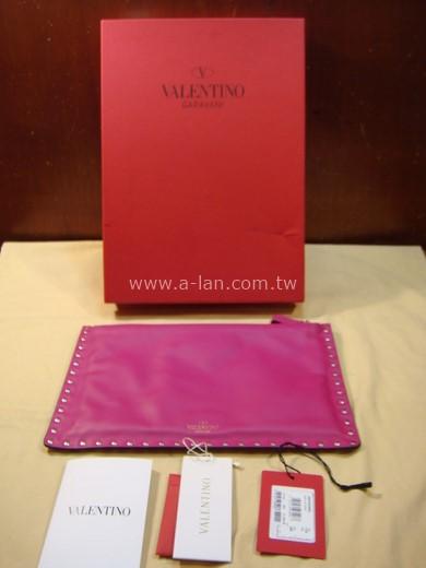VALENTINO 桃紅鉚釘手拿包-84804038