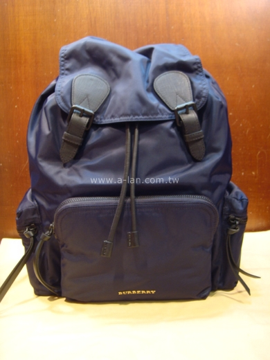 BURBERRY The Rucksack 軍旅背包 GM-85241018