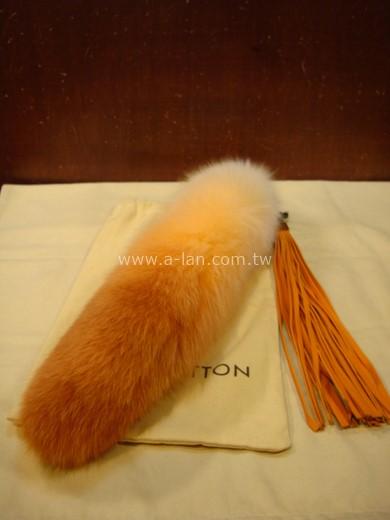 LV-M66168 狐狸漸層毛掛飾-89830378