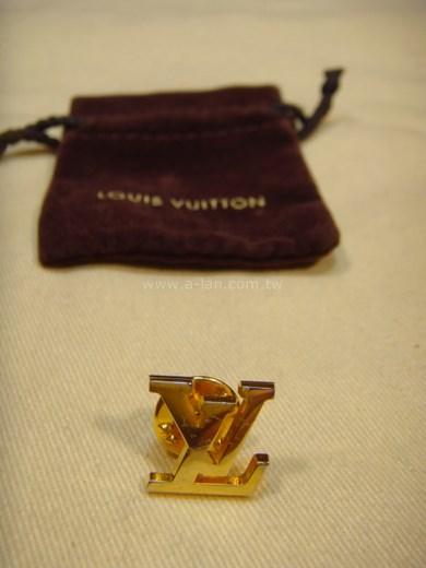 LV-Logo 金胸針-89840798