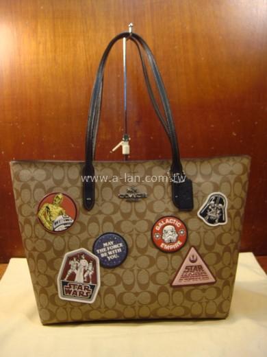 COACH 星際大戰系列購物包-89848538